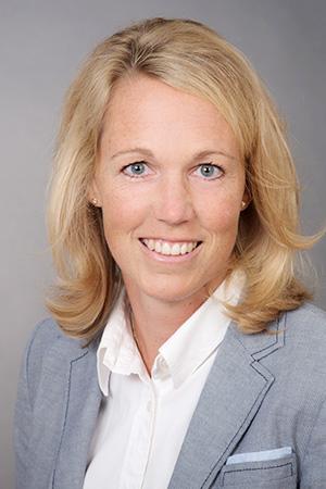 Dr. Nina Theben