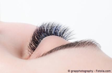 Bild von Färben von Augenbrauen und Wimpern – bitte mit Vorsicht!