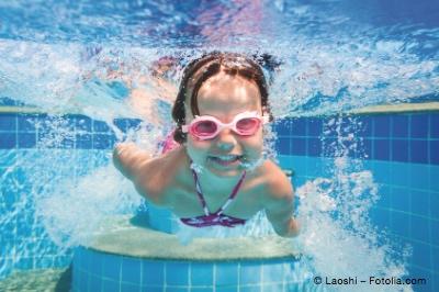 Bild von Augenreizungen durch Chlorwasser - Schutz und Abhilfe
