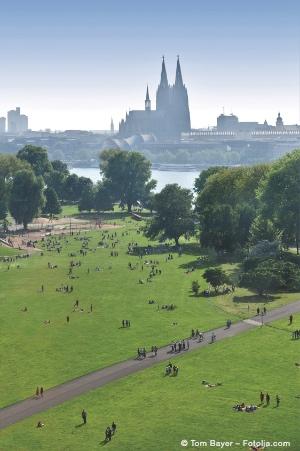 Bild von Der Rheinpark - Familienspaß im Frühling