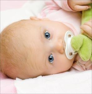 Bild von Verkrustete Babyaugen – meist keine gefährliche Entzündung
