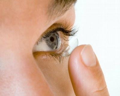 Bild von Wasser schadet Kontaktlinsen