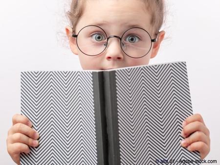 Bild von Schlaue Augen – Der Zusammenhang von Bildung und Brille