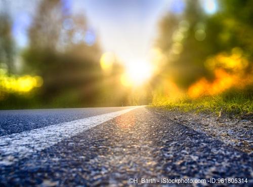 Bild von Geblendet – Schadet der Blick in Licht und Sonne?
