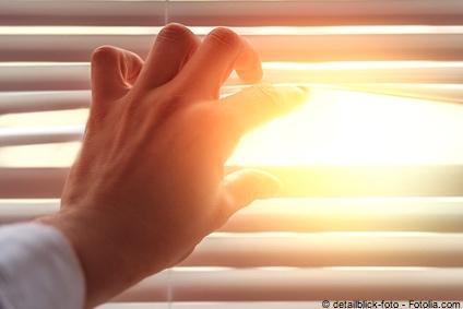 Bild von Lichtempfindlichkeit – Das können die Gründe sein