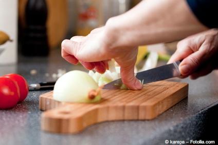 Bild von Alltägliches: Warum tränen Augen beim Zwiebeln schneiden?